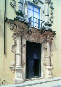 Havana doorway