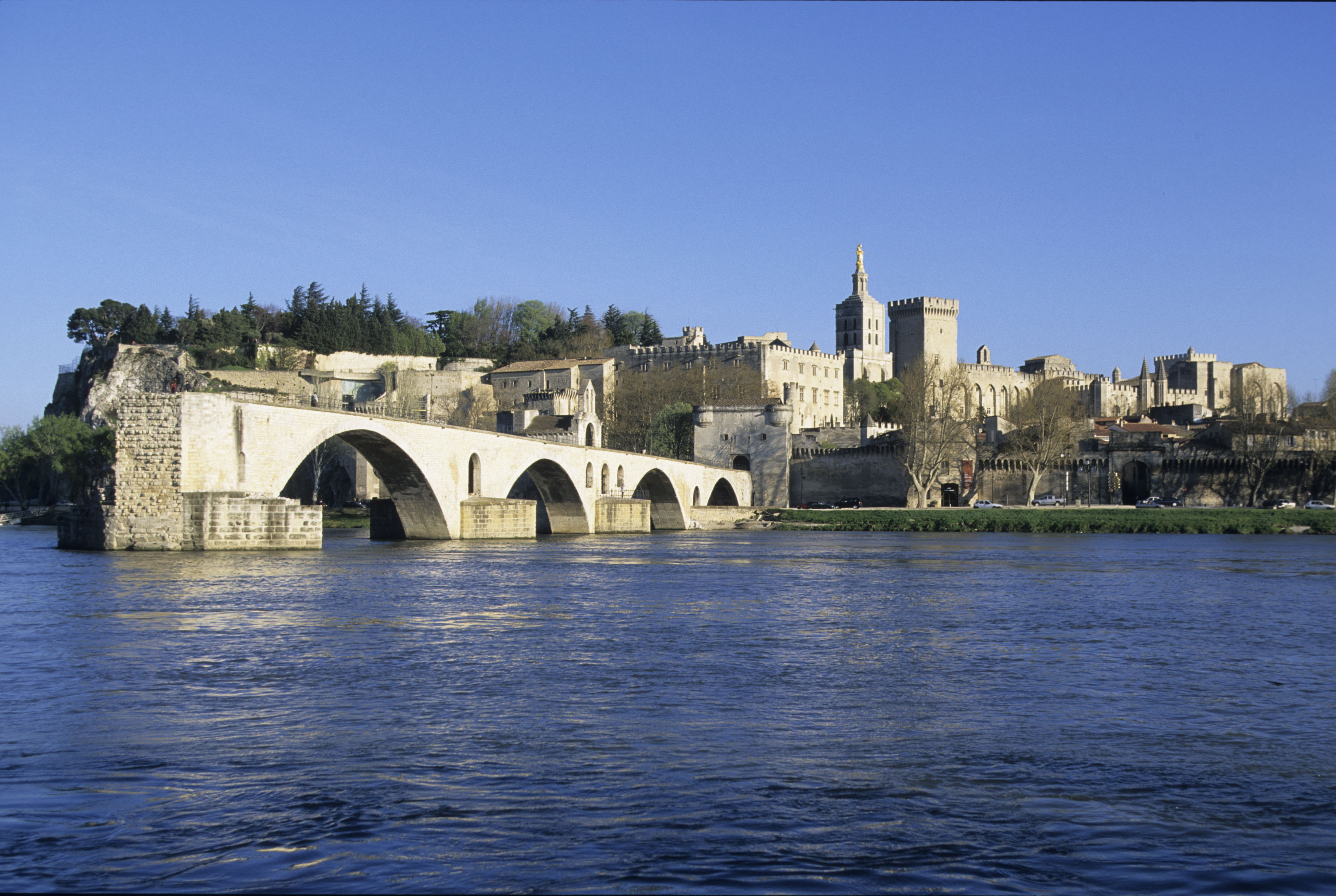 Featured trip dukes popes painters lyon to arles for Ch d avignon
