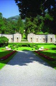 Villa D'Este by Joe Shlabotnik