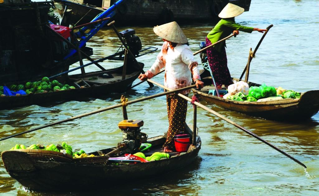 floating market in Vietnam
