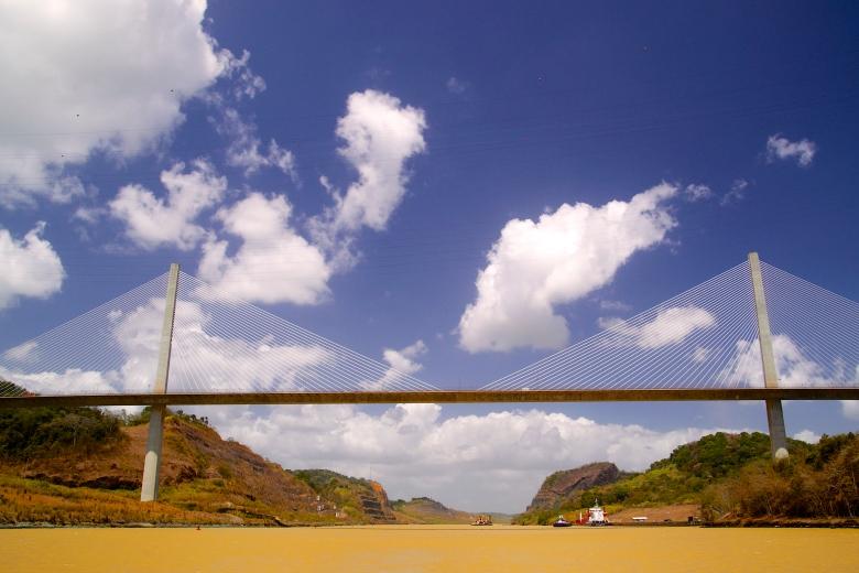 centennialbridge_panama_adrianturner