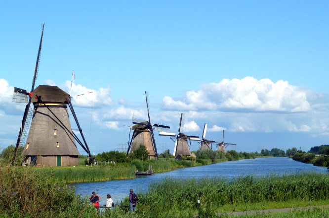Bright windmills (1)